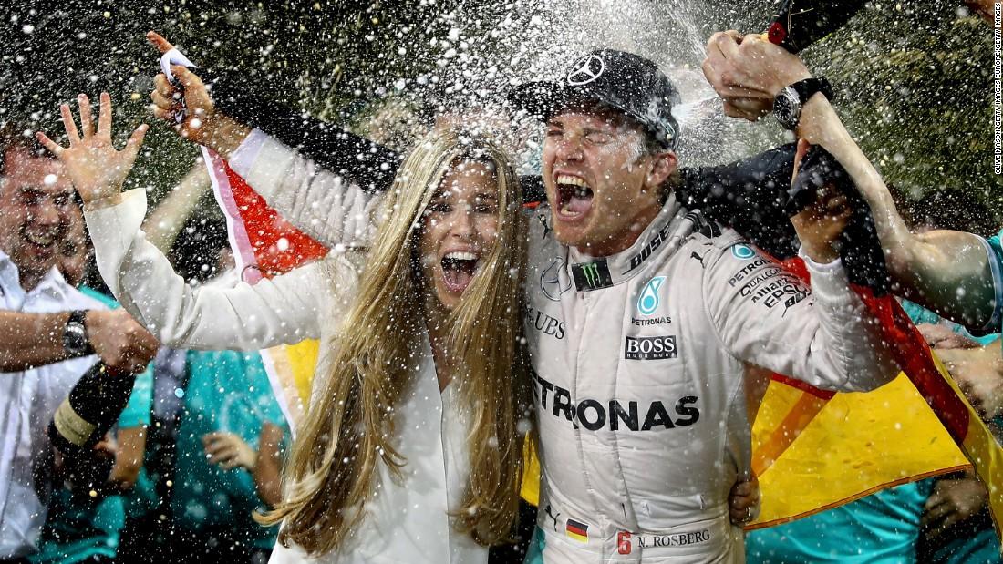 Nico Rosberg: 'Lewis Hamilton won't give Valtteri Bottas an easy ride'