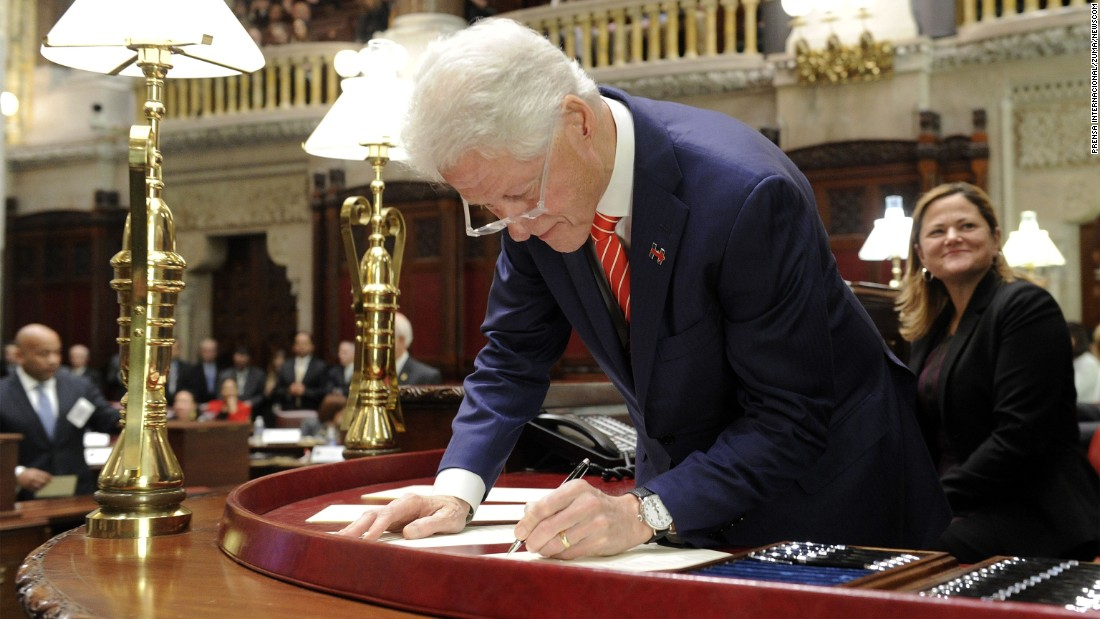 "Former President Bill Clinton, a member of New York's Electoral College, signs documentation after he cast his electoral vote on Monday, December 19. In all, Donald Trump <a href=""http://www.cnn.com/2016/12/19/politics/electoral-college-donald-trump-vote/"" target=""_blank"">received 304 electoral votes</a> to Hillary Clinton's 227. Several ""faithless electors"" voted for other candidates."