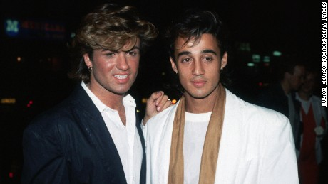 Members of the pop group Wham !, Andrew Ridgley (r) and George Michael at the premiere of the film Dune. (Photo by © Hulton-Deutsch Collection/CORBIS/Corbis via Getty Images)