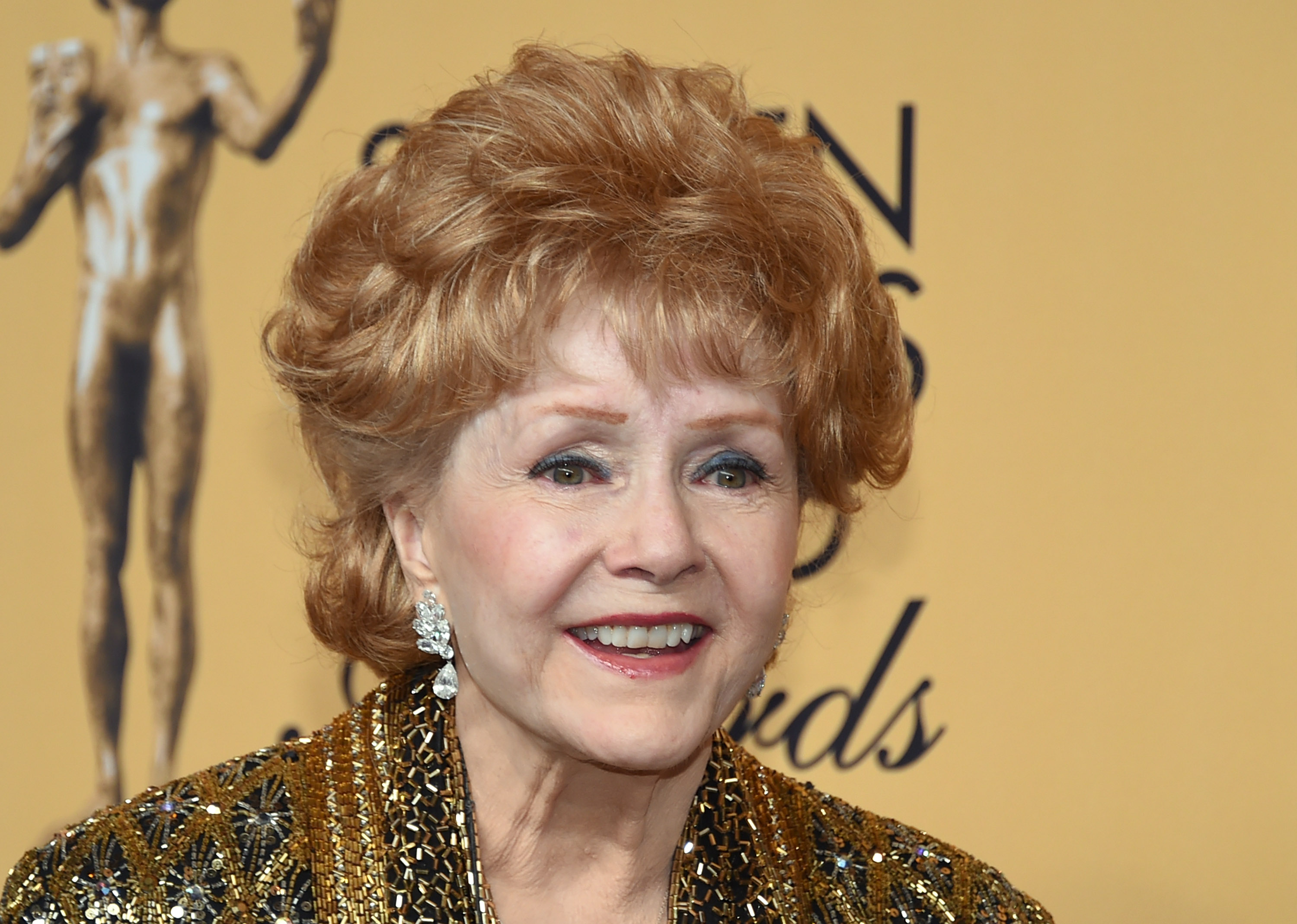 debbie reynolds mother of carrie fisher dies one day after