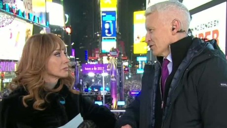 new years eve anderson cooper kathy griffin binge watch sot_00005030