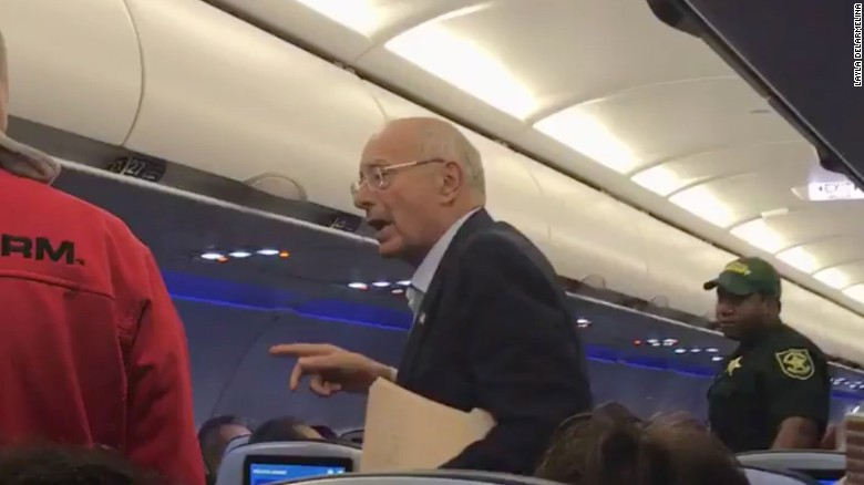 Former senator is kicked off flight