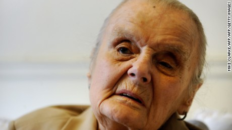 Veteran British war correspondent Clare Hollingworth, who broke the news that World War II had started, died on Tuesday at the age of 105.