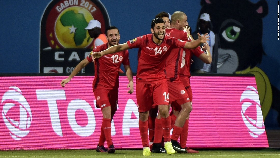 Algeria had the better of the chances in the first half, but Tunisia had goalkeeper Aymen Mathlouthi to thank for string of saves that kept the score goalless.
