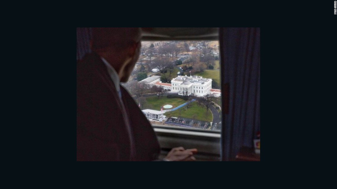 This powerful photo shows Obama's final White House goodbye