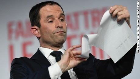 Benoit Hamon wins socialist nomination in French presidential primary