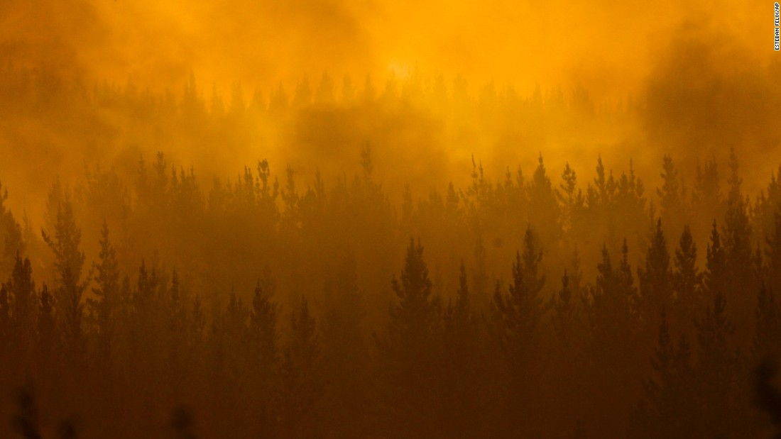 "A forest fire burns in Pumanque, Chile, on Saturday, January 21. <a href=""http://www.cnn.com/2017/01/27/americas/chile-wildfires/"" target=""_blank"">A chain of wildfires</a> has unleashed a catastrophe over wide swaths of central and southern Chile, destroying thousands of homes and consuming an area about three times the size of New York City, authorities said."