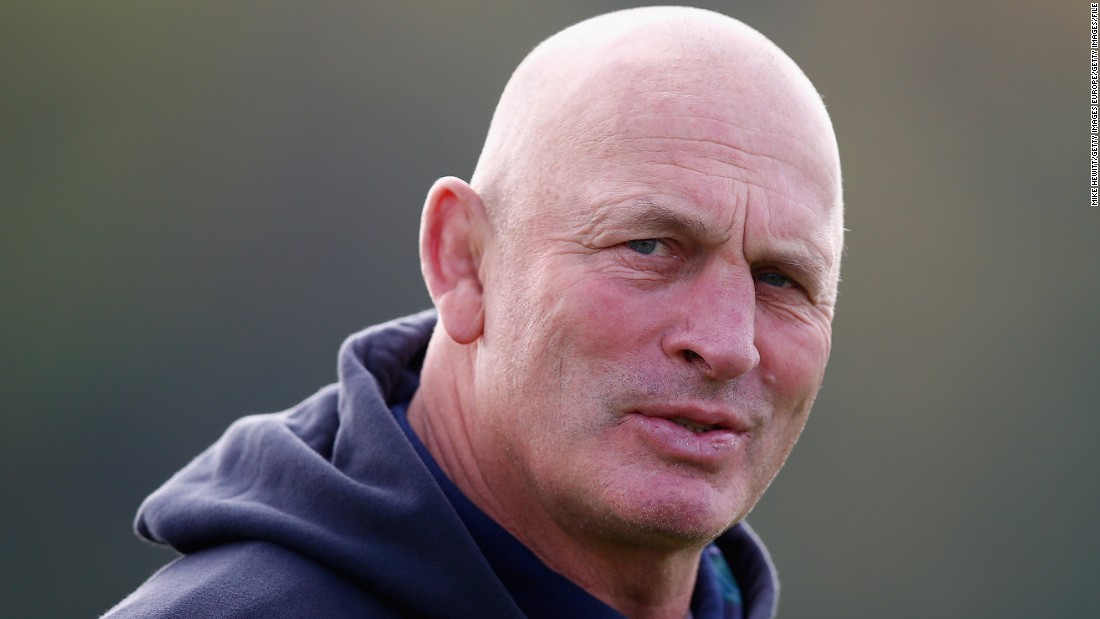 The New Zealander is returning to France in June, as the Scottish Rugby Union decided not to renew his three-year contract. He will be replaced by former Scotland international Gregor Townsend, who has impressed with club side Glasgow Warriors.