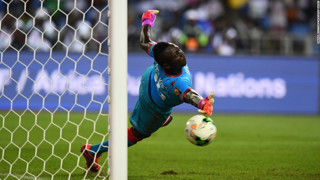 After a goalless 30 minutes, the match went to a penalty shootout. Burkina Faso goalkeeper Herve Koffi looked set to be the hero, saving Abdallah El Said's penalty to give his side the advantage.