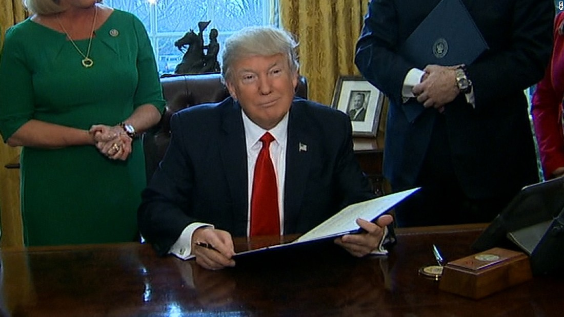 Trump to take steps rolling back financial regulations