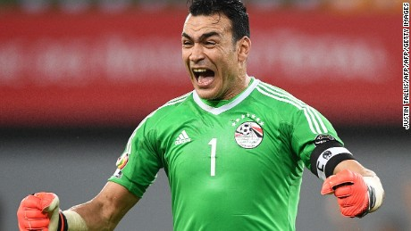 El-Hadary celebrates after Egypt beats Ghana to reach the quarterfinals in Gabon.