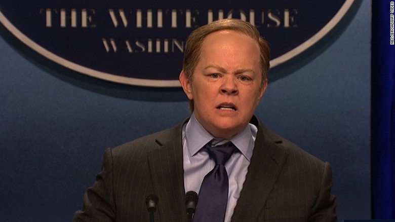 Melissa McCarthy channels an angry Sean Spicer