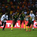 Cameroon's forward Vincent Aboubakar  celebrate afcon