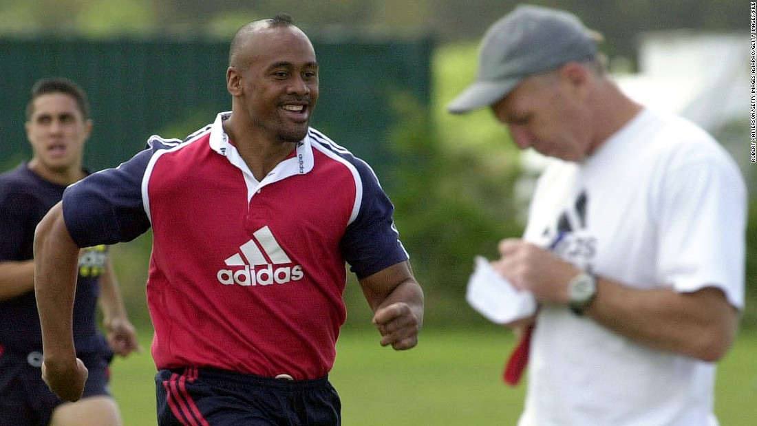 Tietjens gave a teenage Jonah Lomu his international debut in the sevens team before the giant winger moved up to the 15-a-side game and became a superstar following his blockbusting performances at the 1995 World Cup in South Africa.