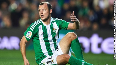 SPAIN- JANUARY 22:  Roman Zozulya of Real Betis Balompie reacts during La Liga match between Real Betis Balompie and Real Sporting de Gijon at Benito Villamarin Stadium on January 22, 2017 in Seville, Spain.  (Photo by Aitor Alcalde Colomer/Getty Images)