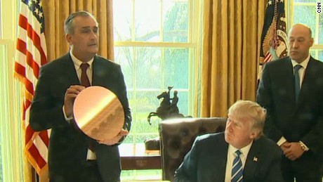 intel ceo meets with president donald trump new product bts_00005124