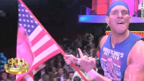 Trump-loving wrestler jumps into Mexico's ring