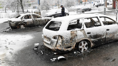 Riots broke out in the Stockholm suburb of Rinkeby Monday, during the arrest of a street crime suspect.