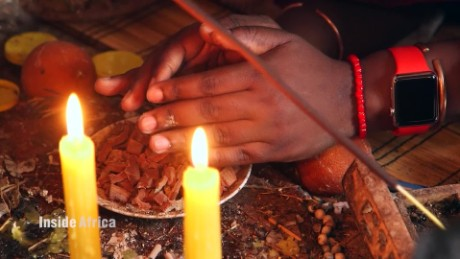 Inside Africa - Traditional Healing - B_00024421