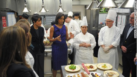 Michelle Obama in the White House kitchen does a preview of the 2009 Governors Dinner menu.