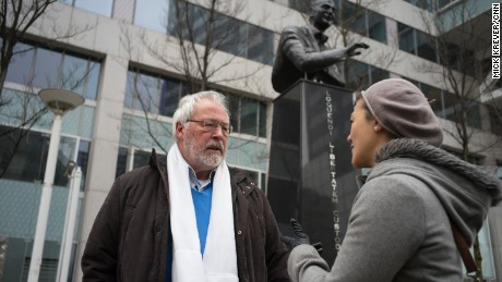 Ronald Sørensen speaks with CNN's Atika Shubert in front of a statue of Pim Fortuyn, the anti-Islam politician with whom Sørensen's helped lay the groundwork for Wilders.