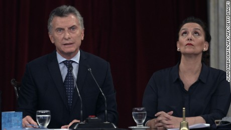 Argentina's President Mauricio Macri, delivers a speech next to Vice-President Gabriela Michetti during the inauguration of the 135th period of ordinary sessions at the Congress in Buenos Aires on March 1, 2017. / AFP PHOTO / JUAN MABROMATA        (Photo credit should read JUAN MABROMATA/AFP/Getty Images)
