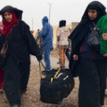 05 residents flee mosul