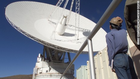 MOJAVE DESERT, UNITED STATES:  A massive 70 meter (230 foot) diameter parabolic antenna transmits commands and data communications to various spacecraft including the Mars Global Surveyor, Galileo, and the Voyagers, at the Goldstone Deep Space Network complex in the Mojave Desert near Barstow, California.  The antenna, one of ten ranging from 11 to 70 meters in diameter at the complex, most recently gained attention when it was used in attempts to contact the failed Mars Polar Lander spacecraft and Deep Space Two microprobes conducted by the Jet Propulsion Laboratory (JPL) in Pasadena, California.       AFP PHOTO/SCOTT NELSON (Photo credit should read Scott Nelson/AFP/Getty Images)