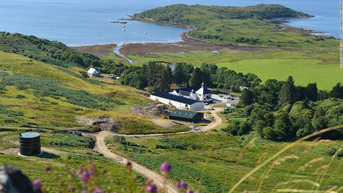The Ardnamurchan Distillery is located on Scotland's Ardnamurchan peninsula, on the shores of Loch Sunnart.