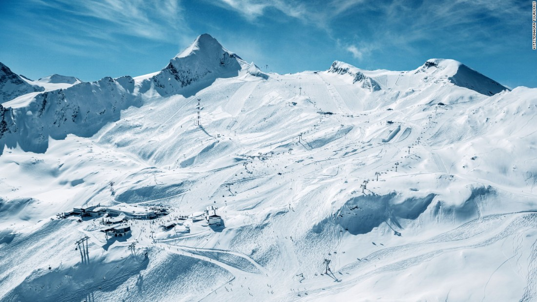 The Kitzsteinhorn glacier above Kaprun in the Salzburg region is a magnet for summer skiing fans and offers a wealth of beginner and intermediates slopes from an altitude of 3,029 meters with views across to the lake at Zell am See.