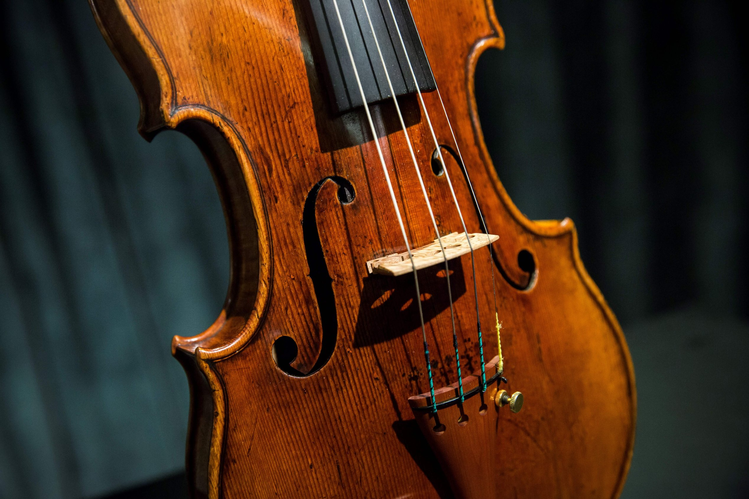 Why Stradivari Violins Smash Auction Records Cnn Style