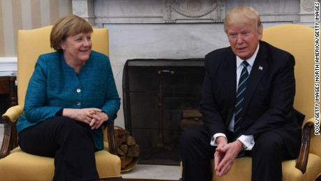 Trump meets with Angela Merkel _00000000