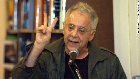 "NEW YORK - JUNE 30:  Writer Chuck Barris speaks during his ""Bad Grass Never Dies,"" during a book signing June 30, 2004 in New York City.  (Photo by Ian Wingfield/Getty Images)"