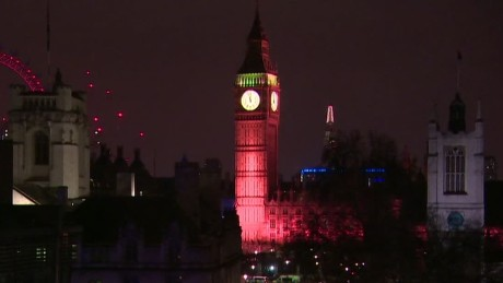 big ben lit up to honor london attack victims vo_00000209