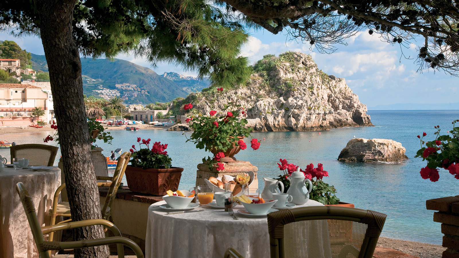 15 Most Beautiful Island Hotels Around The World Cnn Travel