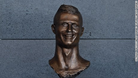 The original bust of Ronaldo at Madeira airport