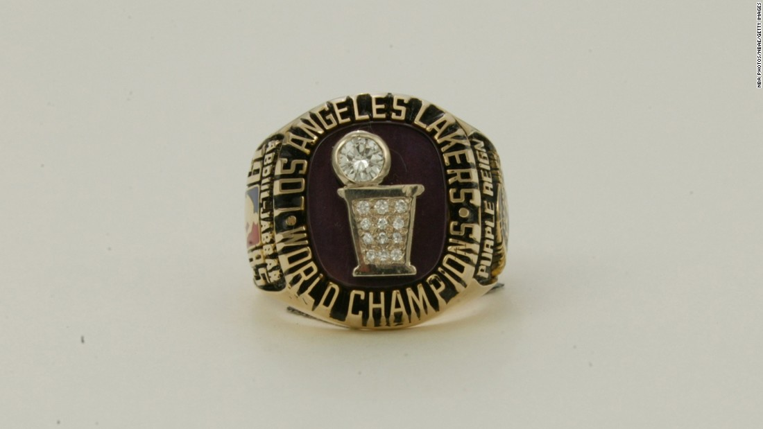 The Los Angeles Lakers' ring in 1985 featured a diamond basketball to resemble the Larry O'Brien Trophy.