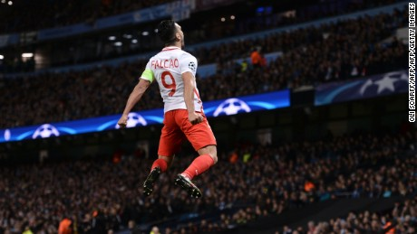 TOPSHOT - Monaco's Colombian forward Radamel Falcao celebrates scoring an equalising goal for 1-1 during the UEFA Champions League Round of 16 first-leg football match between Manchester City and Monaco at the Etihad Stadium in Manchester, north west England on February 21, 2017. / AFP / Oli SCARFF        (Photo credit should read OLI SCARFF/AFP/Getty Images)
