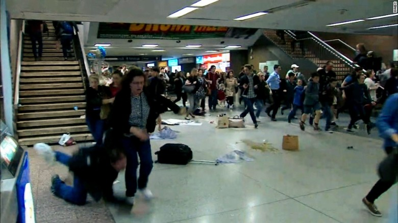 Penn Station stampede false gunfire reports wxp hln_00000000