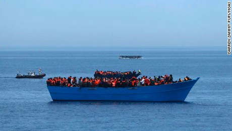Thousands of migrants rescued from Mediterranean in three days