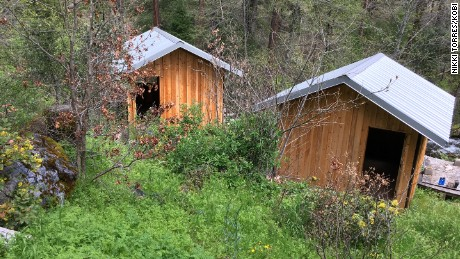Cummins and the teen stayed in one of these cabins, the property's caretaker told CNN.