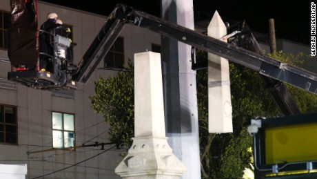 Watch: New Orleans removes Confederate monument
