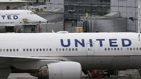 United Airlines under scrutiny following dog's death and second dog mix-up