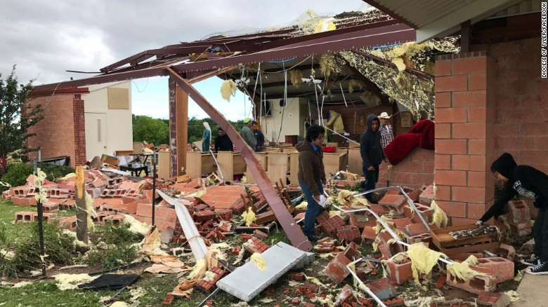 Churchgoers: Survived tornado by grace of God