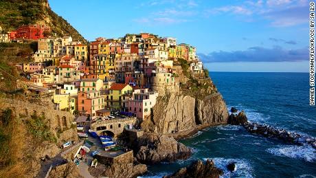 Flip-flop fines introduced in Italy's Cinque Terre