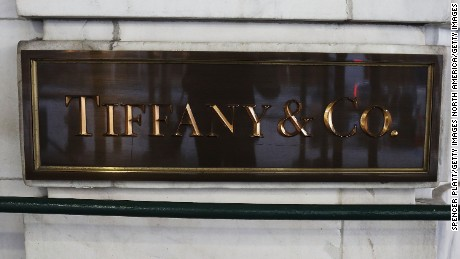 NEW YORK, NY - FEBRUARY 06:  A Tiffany & Co. store stands in lower Manhattan on February 6, 2017 in New York City. Following disappointing financial results,Tiffany & Co. abruptly replaced Chief Executive Officer Frederic Cumenal.  (Photo by Spencer Platt/Getty Images)
