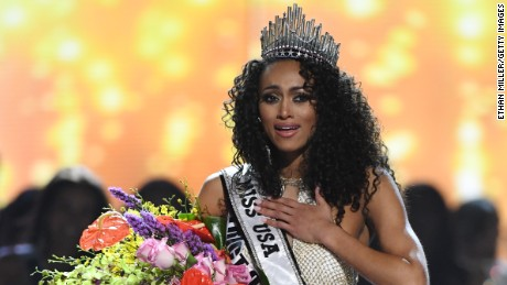 LAS VEGAS, NV - MAY 14:  Miss District of Columbia USA 2017 Kara McCullough reacts after being crowned Miss USA 2017 during the 2017 Miss USA pageant at the Mandalay Bay Events Center on May 14, 2017 in Las Vegas, Nevada.  (Photo by Ethan Miller/Getty Images)