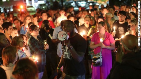 Protests over Confederate statue shake Charlottesville, Virginia