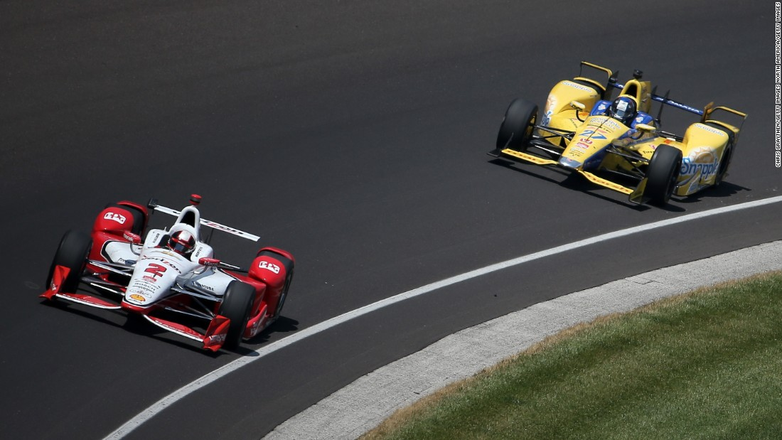As is the requirement in Indy Car Racing, cars have an open-wheel formula.