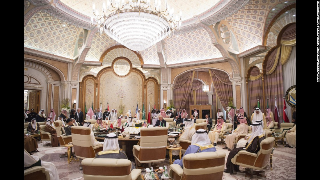 Trump meets with other heads of state in Riyadh on May 21.